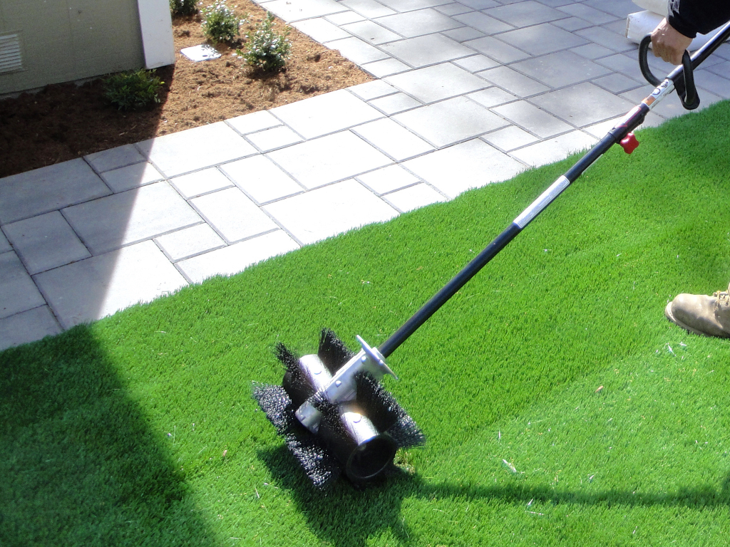 Synthetic Grass Cleaning Techniques Del Mar, Artificial Turf Cleaning Process